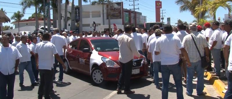 """Asegura Alcalde de Mazatlán que logró """"desactivar"""" supuesto paro transportista"""