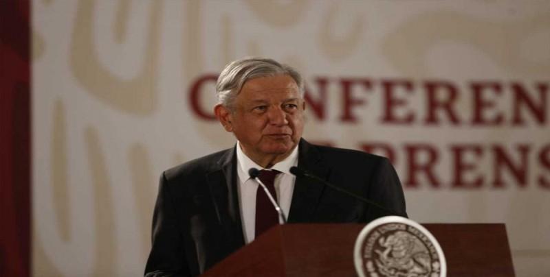 """López Obrador celebra una inflación a la baja y un peso mexicano """"fortachón"""""""