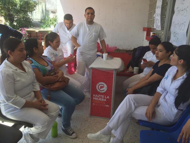Se mantiene plantón de enfermeros en el Hospital General de Mazatlán