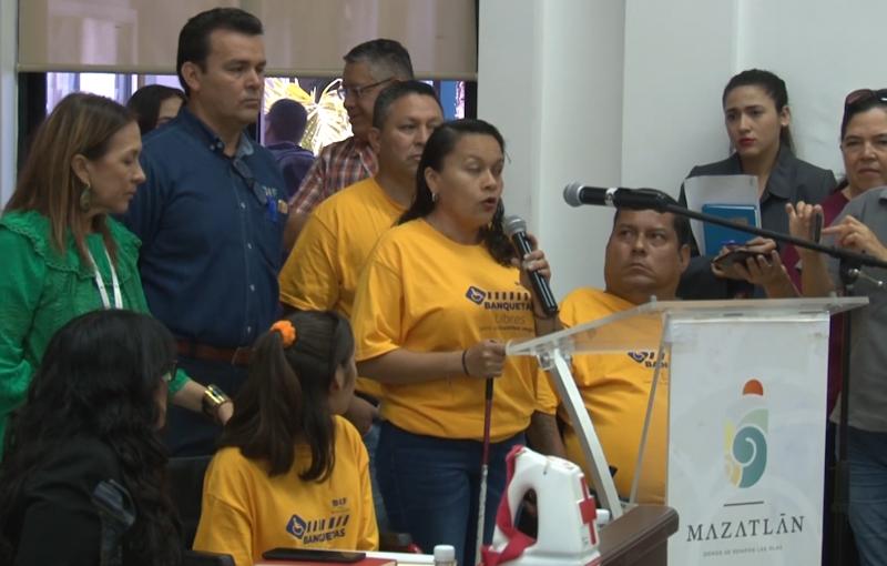 """Busca comuna un municipio con """"Banquetas Libres"""""""