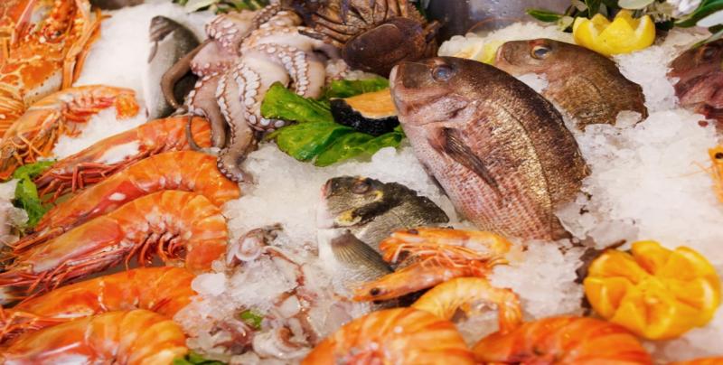 Consuma pescados y mariscos frescos para evitar riesgos