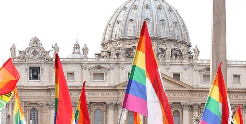 Por primera vez en la historia Vaticano recibe a delegación LGBT
