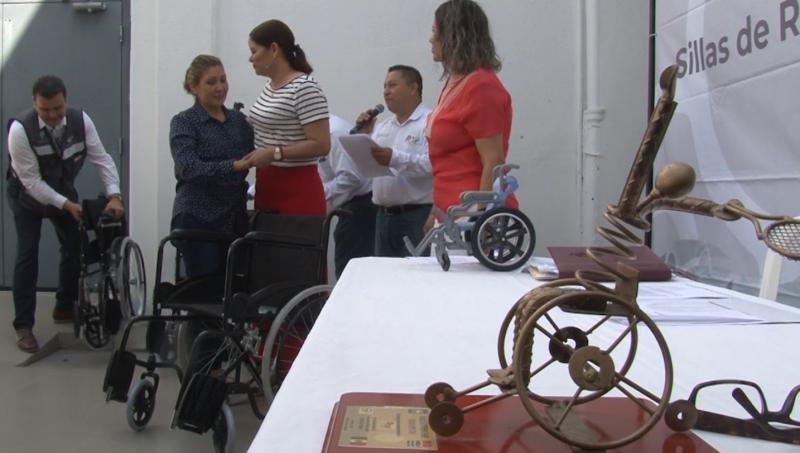Entrega DIF 25 Sillas a mazatlecos discapacitados