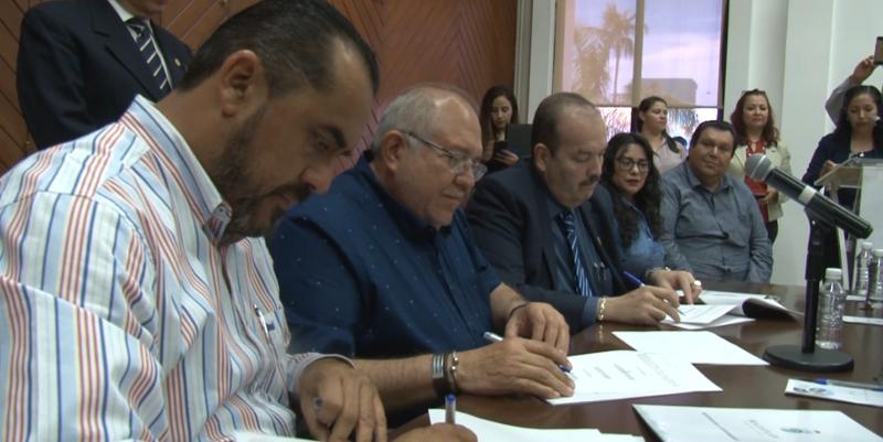 Firman convenio para creación de consejo consultivo profesional ciudadano