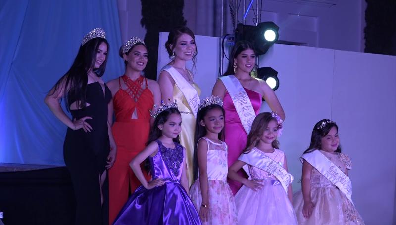Presentan a reinas de la Feria de la Primavera en Rosario