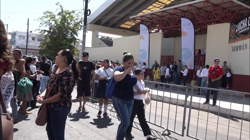 Entregan 2 mil 270 becas a niñas y niños de Mazatlán