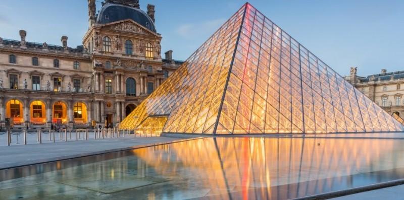 Concursa para dormir una noche en el Museo del Louvre de París