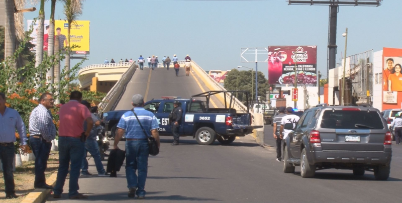 Productores agrícolas toman instalaciones del aeropuerto y acuerdan realizar protesta en Palacio Nacional