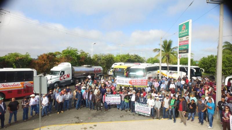 Parte caravana de productores a la Ciudad de México