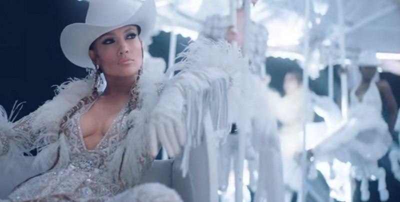 VIDEO: Jlo enciende las redes con sensual baile de pole dance