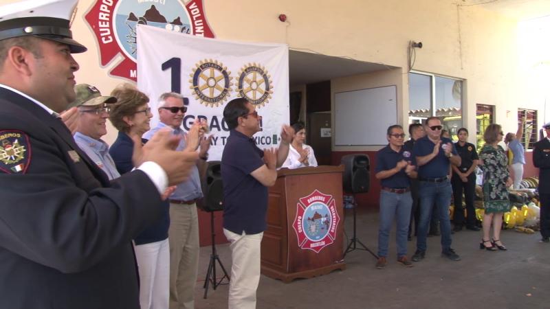 Bomberos Voluntarios de Mazatlán reciben equipamiento y un vehículo