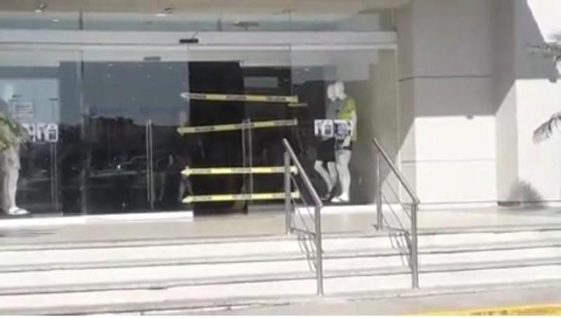 Roban tienda departamental en Mazatlán