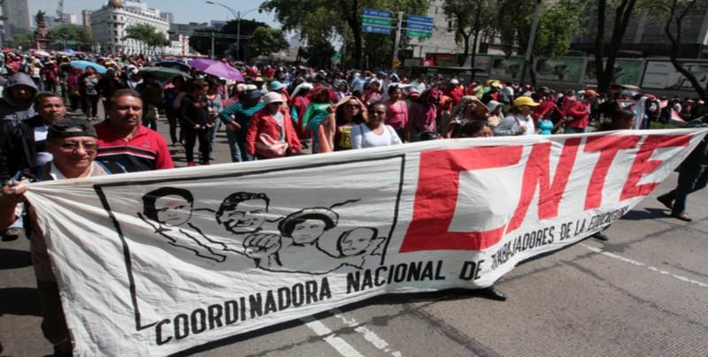 Nueva marcha mantiene viva la protesta del sindicato de maestros en México