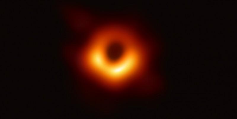 Esta es la primera foto en la historia de un agujero negro
