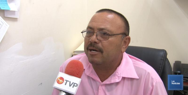 Detecta Regidor empresa particular entregando recibos de Oomapasc