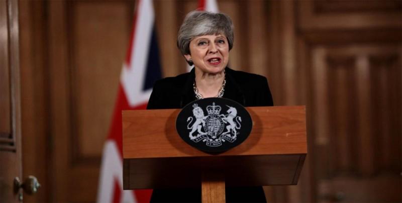 """May urge a los diputados a resolver el bloqueo del """"brexit"""" lo antes posible"""