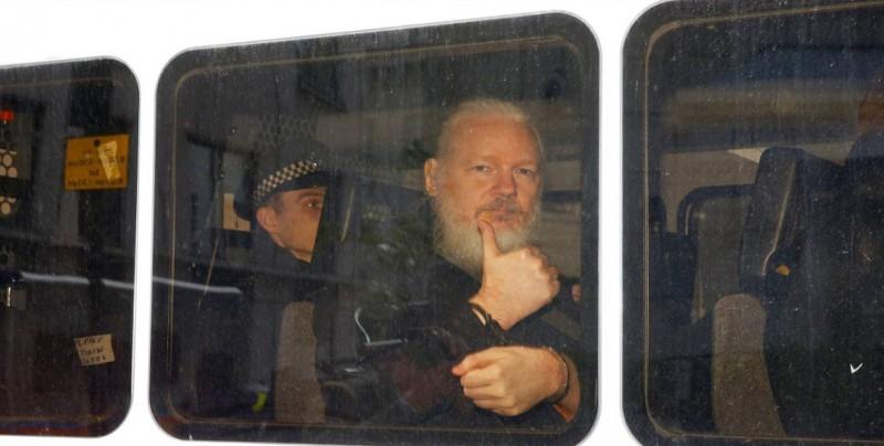 Naciones Unidas pide que se garantice el derecho de Assange a un juicio justo
