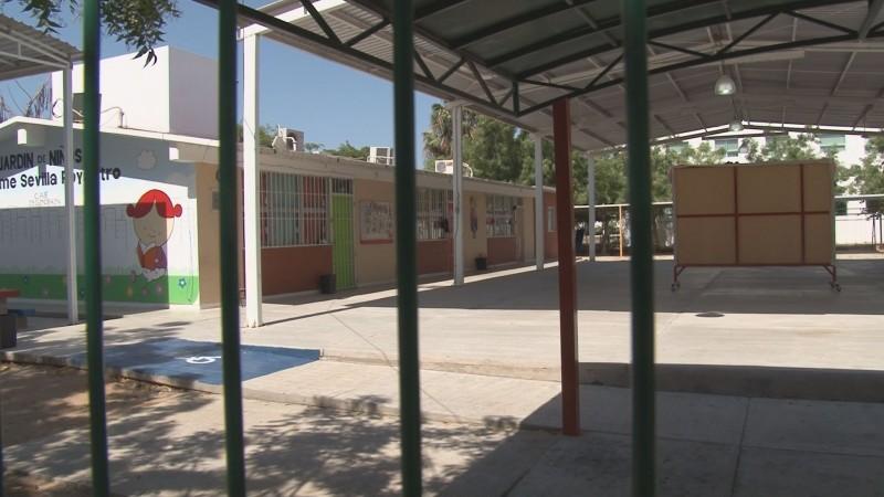 Personal educativo toma medidas para evitar robo en las escuelas