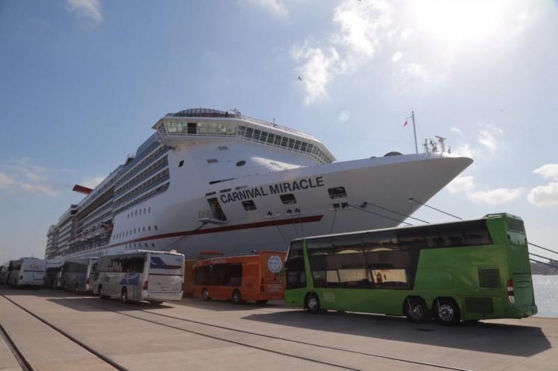 Retomarán modernización portuaria de Mazatlán