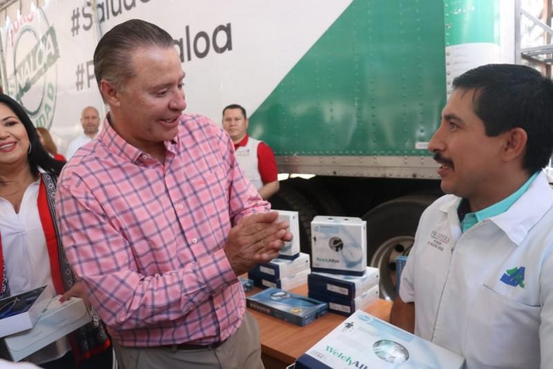 Entrega Quirino Ordaz Equipo a Centros de Salud