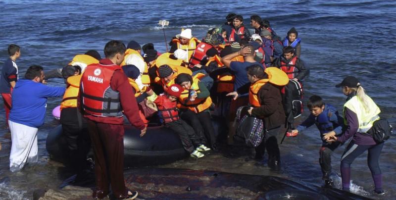 EE.UU. se prepara para la hipotética llegada de migrantes por mar