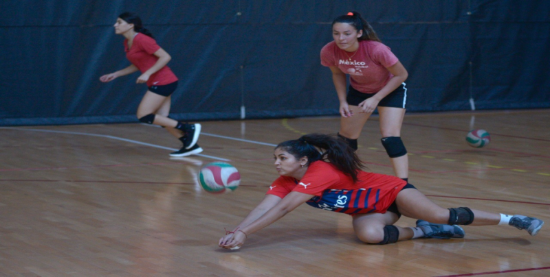 Selección mexicana de volibol femenil sub 20 trabaja en Culiacán