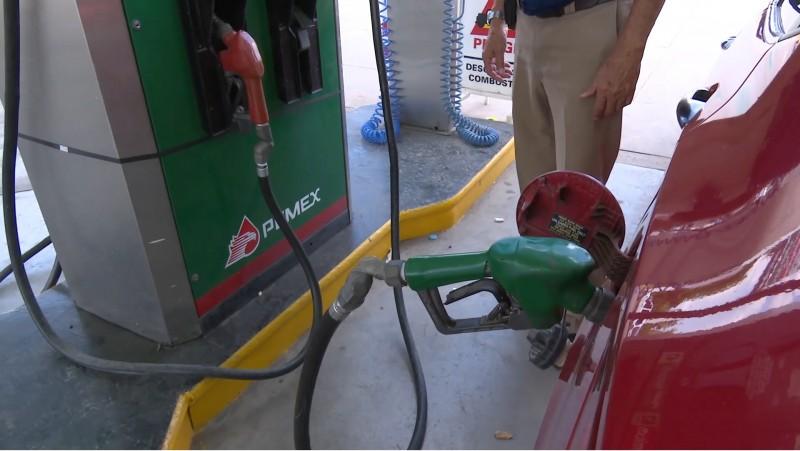 No es culpa de los empresarios gasolineros que el costo de los combustibles no baje