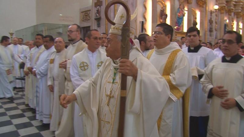 186 sacerdotes renuevan sus votos sacerdotales en misa Crismal