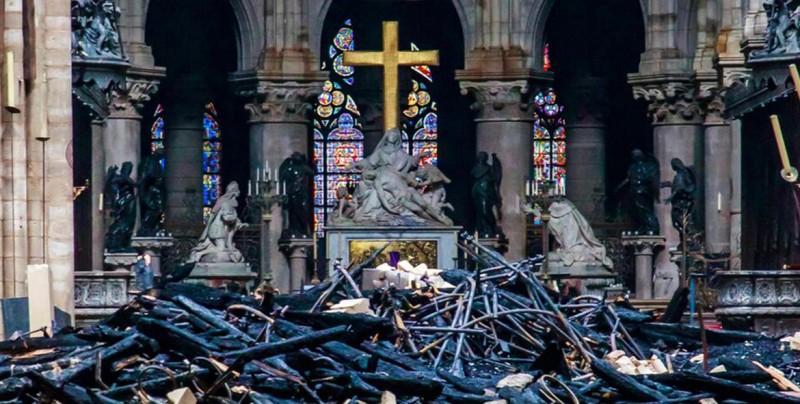 Qué se ha salvado y dañado en el incendio del Notre Dame