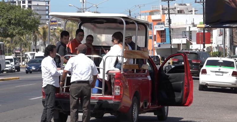 Vialidad realiza operativo de revisión a transportistas en Mazatlán