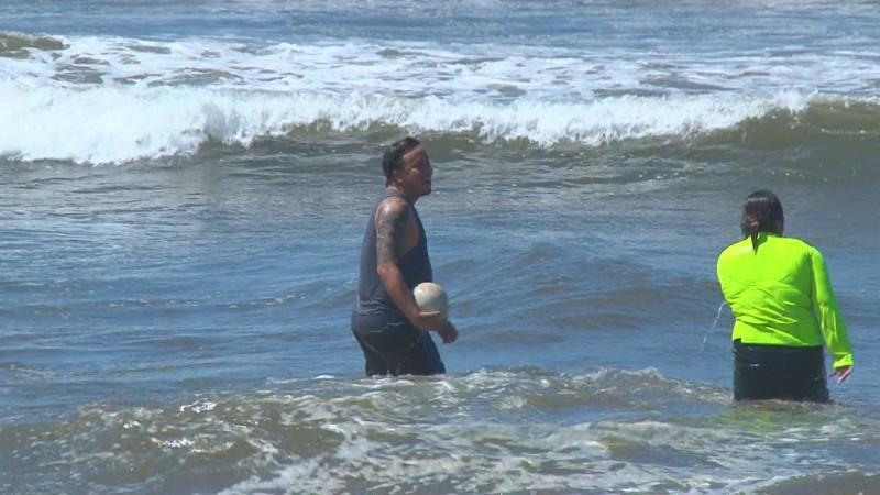 Se mantienen señalamientos en zona de riesgo en playa de Ponce