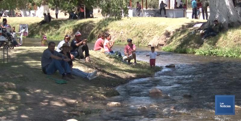 Más de 50 mil personas visitan la feria del río