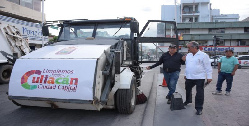 Rescata Ayuntamiento camiones recolectores de basura en mal estado