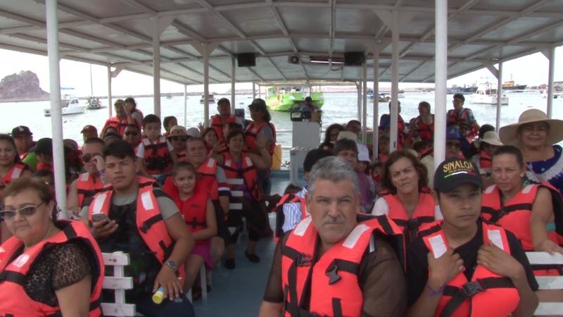 Continúa la demanda de paseos en catamaran por periodo vacacional