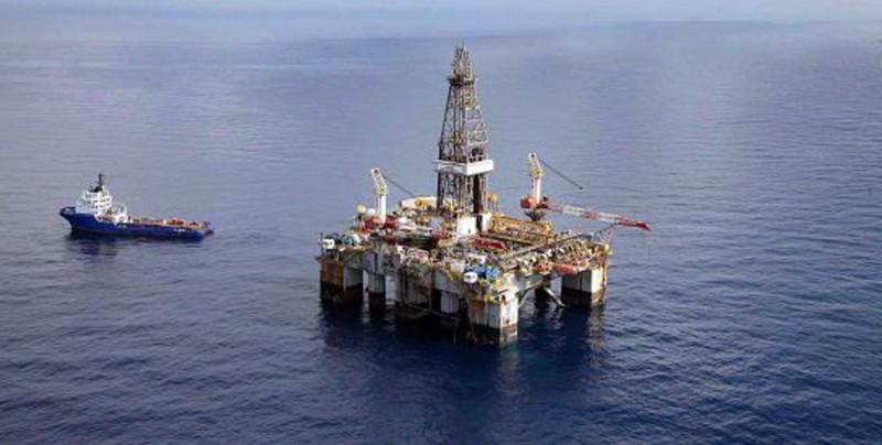 Falsos pescadores asaltan plataformas petroleras en el Golfo de México