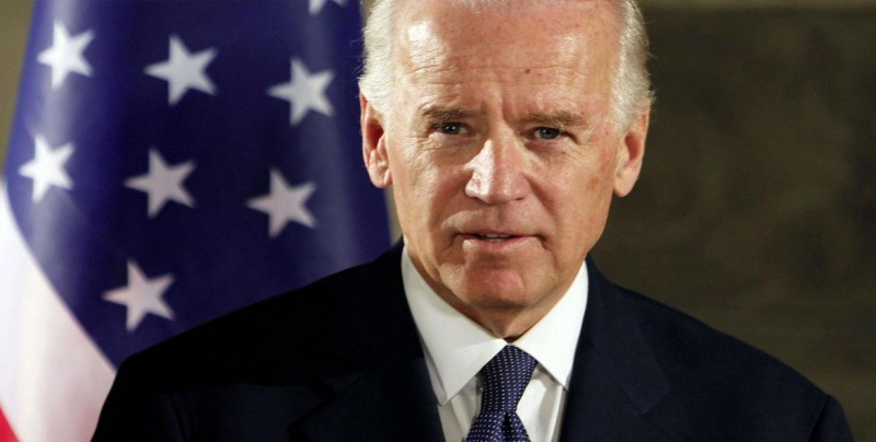 Biden se lanza a la carrera contra Trump como favorito entre los demócratas