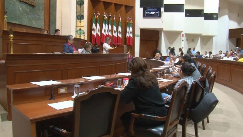 No son iniciativas idénticas la del PRI y la del PAS, asegura Sergio Jacobo