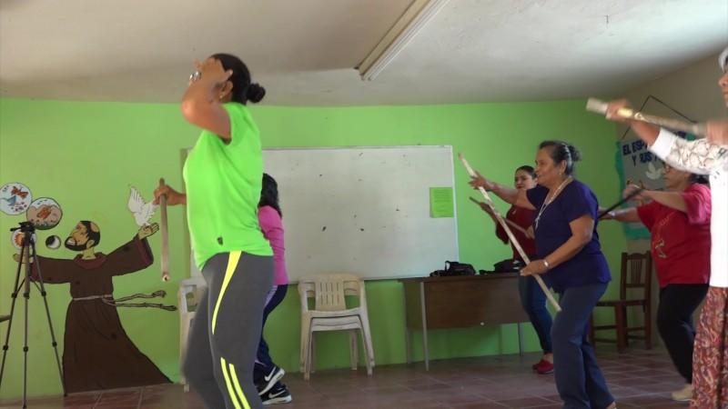 Usan el baile como medicina para el cuerpo, la mente y el alma