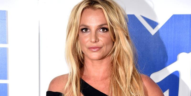 Britney Spears deja el centro de salud mental
