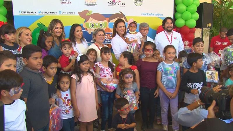 Entrega Casa Ley donativo de 2 mil juguetes al HPS