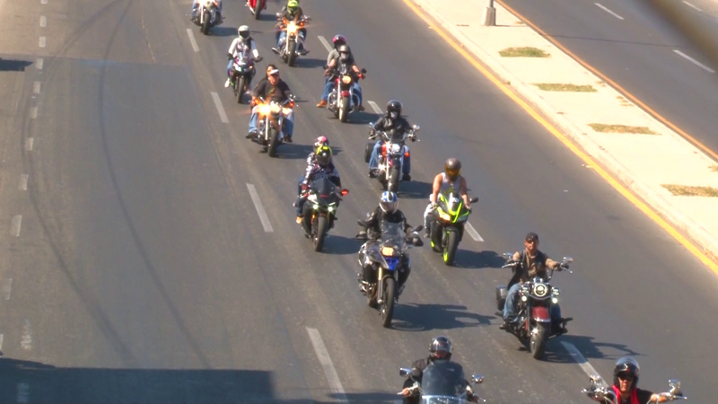 Motociclistas realizan ruta hacia La Noria