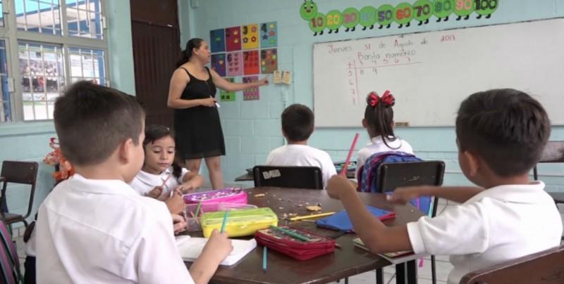 Les pagarán a maestros de nuevo ingreso que realizan tutorías