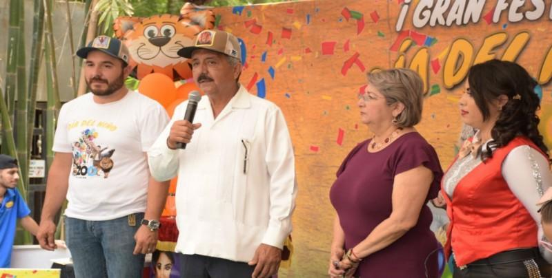 Refrenda apoyo al zoológico Alcalde Estrada Ferreiro