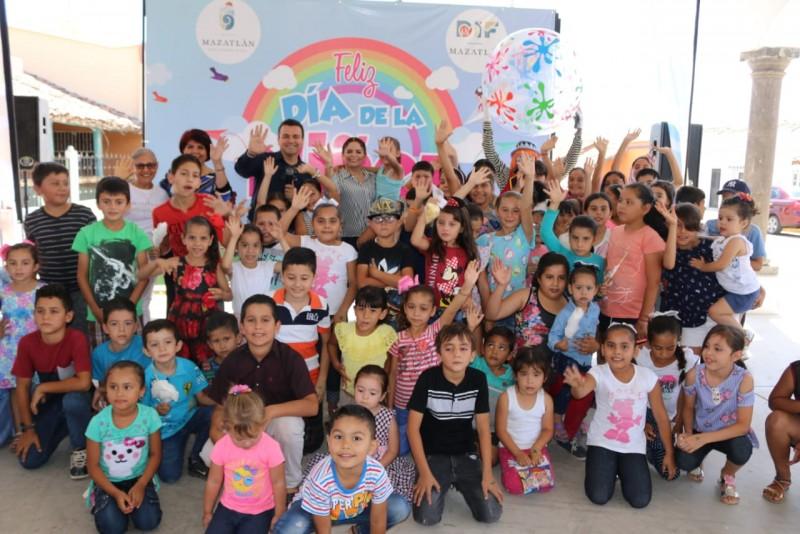"Celebra DIF Mazatlán ""Día de la niñez"""