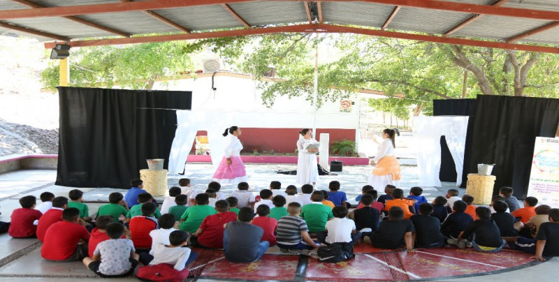 Grupo Agua Salada presenta obra de teatro