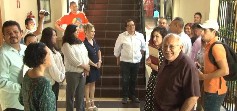 Nueva Directora de CULTURA y Alcalde recorren el Centro Municipal de Artes