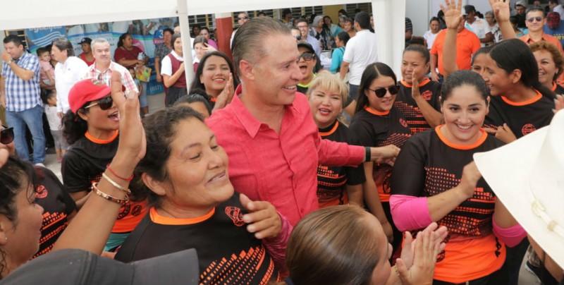 "Jornada de Apoyo ""Puro Sinaloa"" en Angostura"