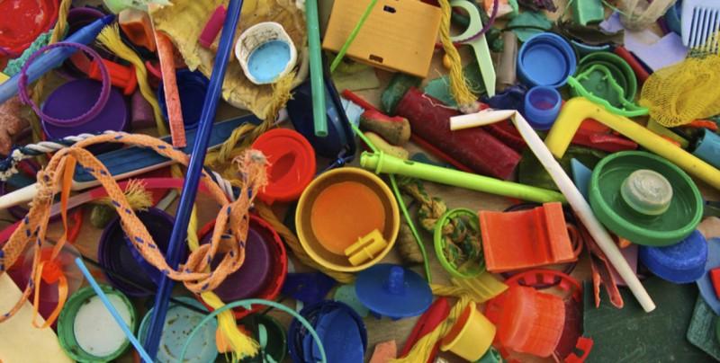 Estado mexicano de Tabasco prohíbe a comercios distribuir objetos de plástico