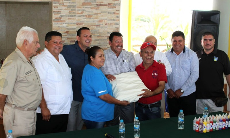 Curso de pintura textil a mujeres del sector pesquero de Altata