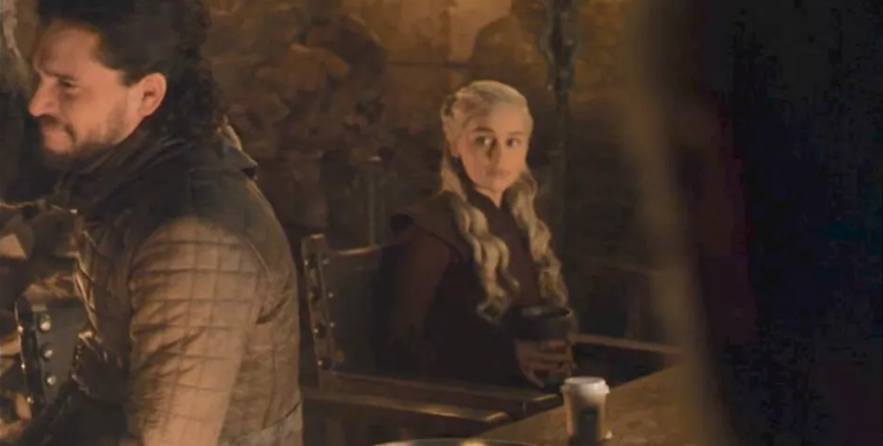 Se cuela un café de Starbucks en un episodio de 'Game of Thrones'